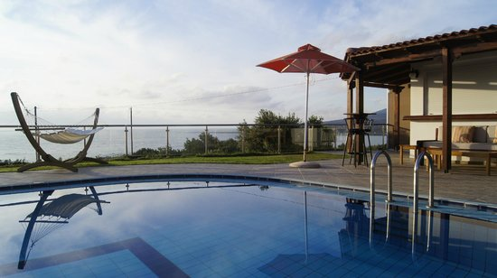 Glykeria Rooms: pool area view