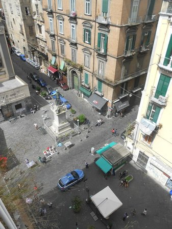 Zia Maria Home : View of piazza from room