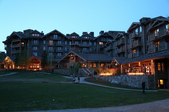 Four Seasons Resort and Residences Jackson Hole: Evening Back View at Dusk