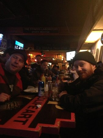 The Great Northern Bar and Grill: friends out late night