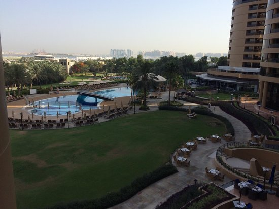 Le Royal Meridien Beach Resort & Spa: View of pool from our balcony