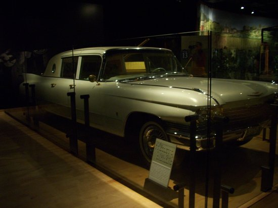Country Music Hall of Fame and Museum: elvis's caddy