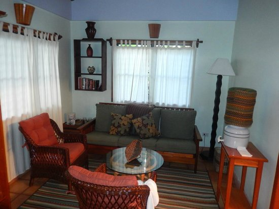 Hamanasi Adventure and Dive Resort: The living room of our suite