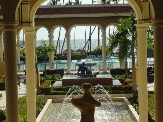 Paradisus Palma Real Golf & Spa Resort : Ocean view from Lobby