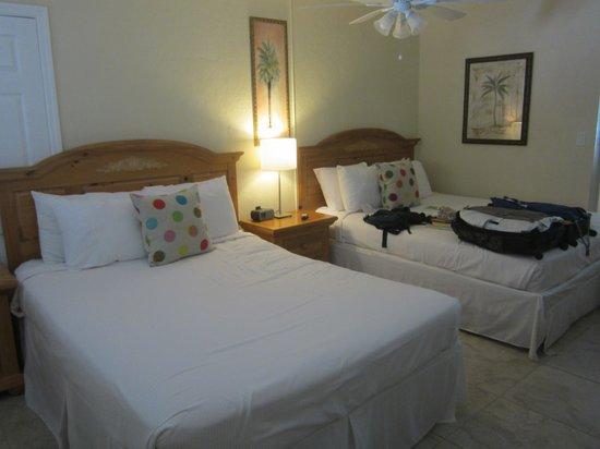 Cocobelle Resort: chambre avec deux lits ''queen''