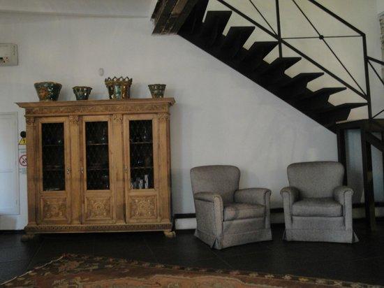 Il Giardino di Ballaro : sample of the clean and antique decor