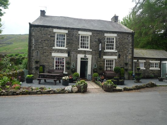 Strathmore Arms at Holwick: The Strathmore Arms