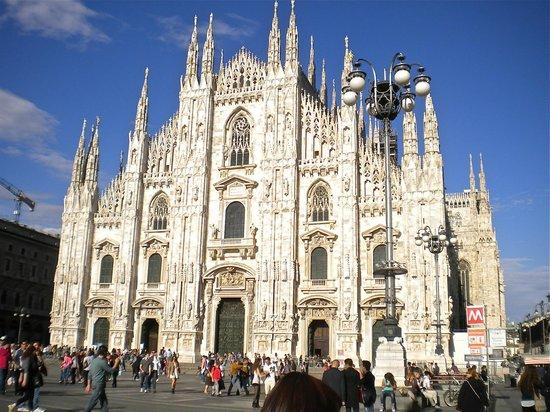 Hotel Spadari al Duomo: Milano Duomo, two blocks from hotel