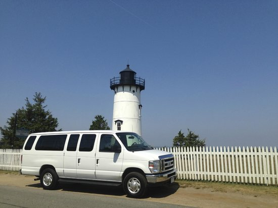 Vineyard Haven, MA: Relax in a comfortable tour van