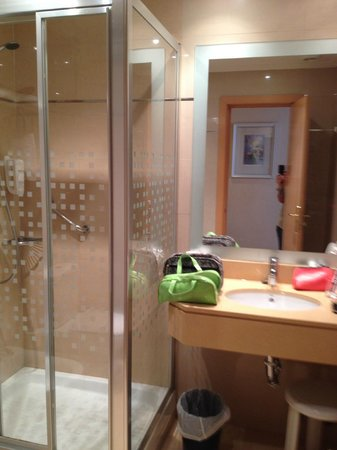 Cason del Tormes: Banheiro bom