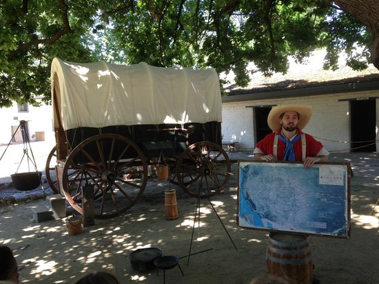 Sutter's Fort State Historic Park: Sutter Fort Covered Wagon and Character Docent