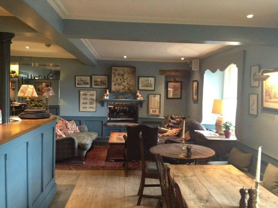 Loch Lomond Arms Hotel: Pub area