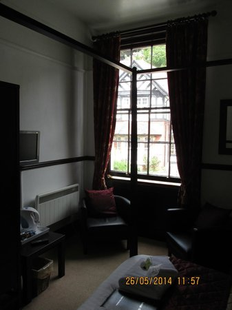 Burleigh House: Lovely room (No 1)