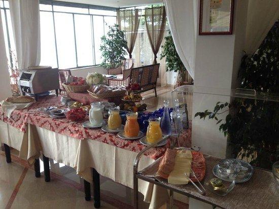 A Due Passi: buffet breakfast internazionale