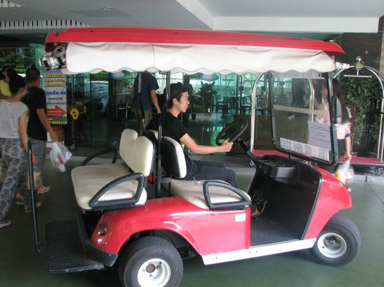 SPB Paradise: Free golf cart to carry us to MRT