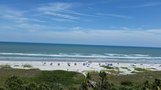 DoubleTree by Hilton Hotel Cocoa Beach Oceanfront : Balcony view 6th floor