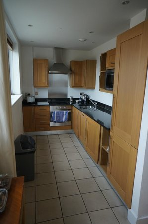 En-Suite 2 bed apartment - Picture of Marlin Apartments Stratford ...