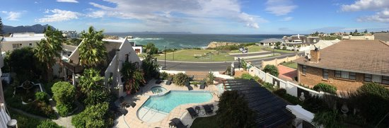Misty Waves Boutique Hotel Hermanus: Panoramic View from the Restaurant