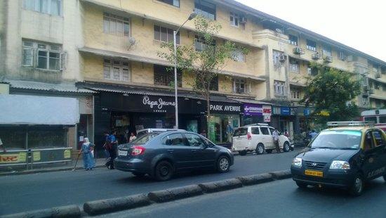 Colaba: Street 2