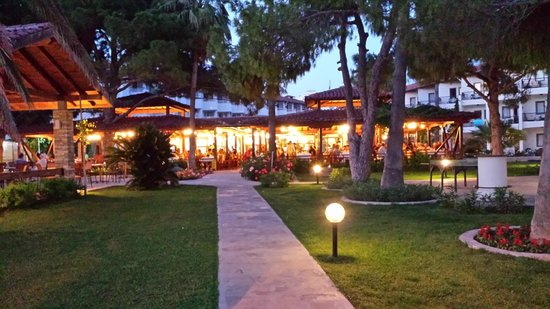Barut Acanthus & Cennet: Dining Area in the evening