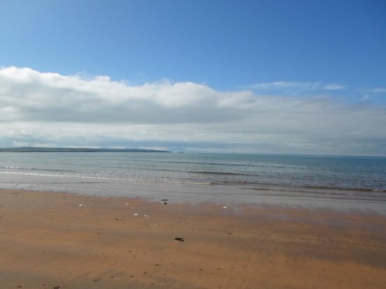 Glan Neigr: The local beach , only a five minute walk
