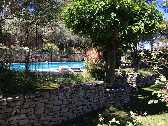 Le Mas des Anges : La piscine