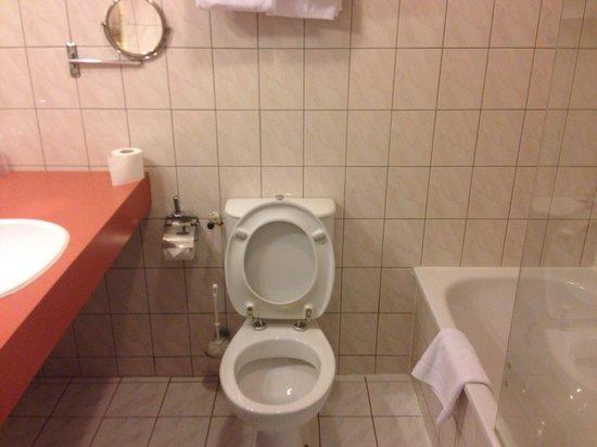 Tulip Inn Amsterdam Centre: Bathroom 1 st floor