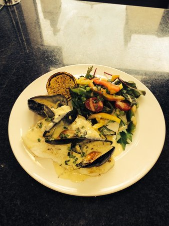 Simply Fish: Turbot in a mussel cream sauce with salad.. ��
