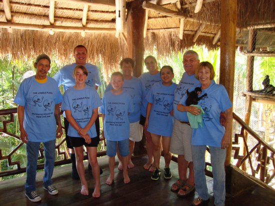 The Jungle Place - Tours: Our group with Heidi and Joel