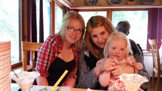North Wales Dutch Pancake House: My family at the Pancake House