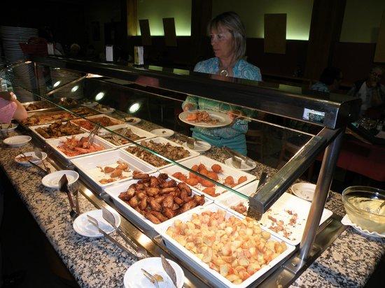 Hotel Ciutadella : buffet de noche principalmente de pescado-marisco