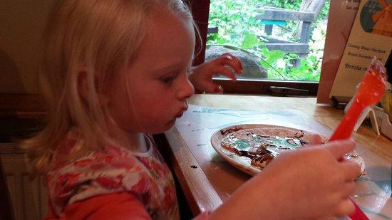 North Wales Dutch Pancake House: Layla enjoying her pancake.