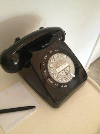 Babington House: Retro phone
