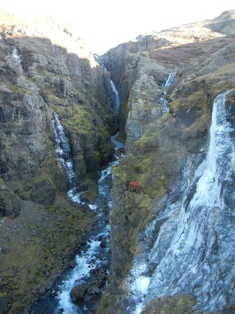 Alfasteinn Guesthouse- Day Tours: Waterfall during day hike with Alfasteinn