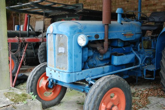 Fullers Hill Cottages: A tractor