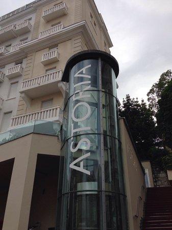 Hotel Astoria by OHM Group: Ansicht von außen
