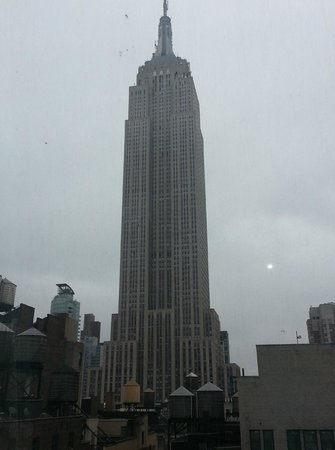 SpringHill Suites New York Midtown Manhattan/Fifth Avenue: View from our room...excellent