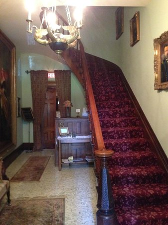 Victorian Mansion: Staircase when you enter the mansion, beautiful