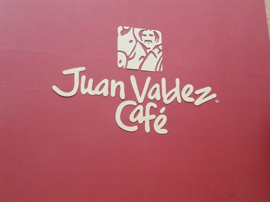 JW Marriott Hotel Bogota: Cafe next to Hotel