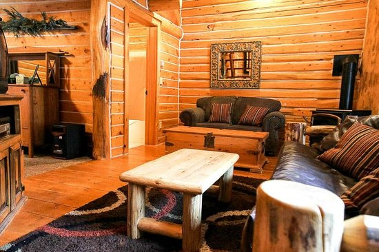 The Cottonwood Cabin Living Room