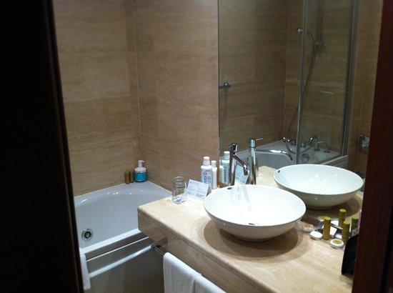 Eurostars Roma Aeterna: Salle de bain