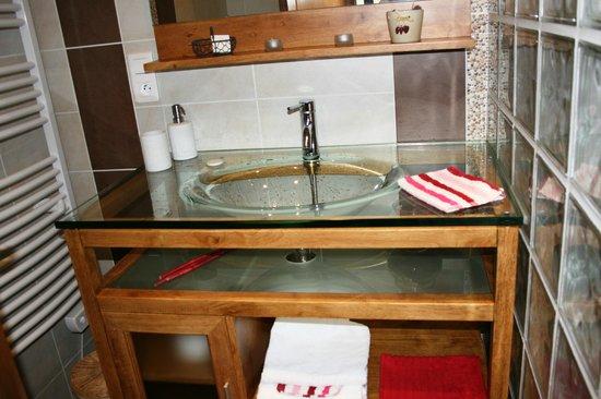 La Grange du Bourg : Glass sink !