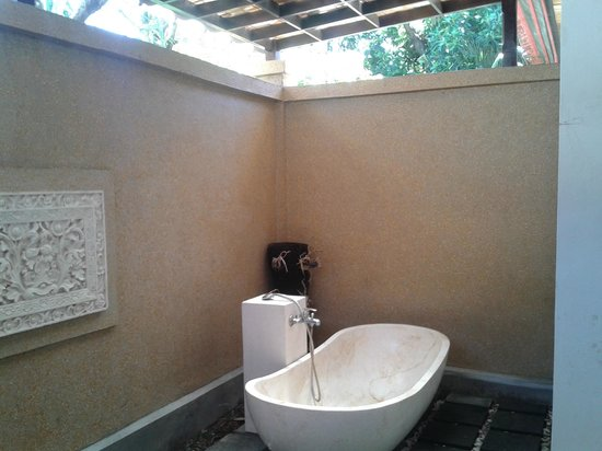 Sukun Bali Cottages: salle de bains