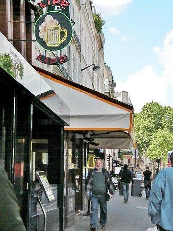 Brasserie Lipp : Looks like a bar sign, feels like a cafe, eats like a fine restaurant