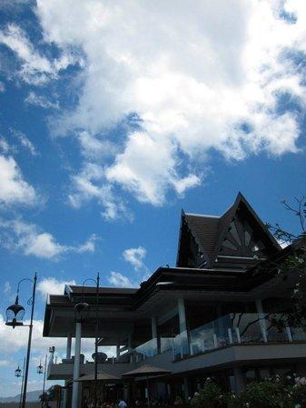 InterContinental Samui Baan Taling Ngam Resort : 酒店大堂外觀