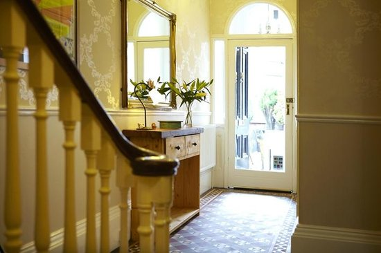 The Waves: Entrance Hall - Original Victorian Features