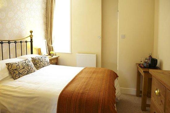 The Waves: En Suite Double Room (Room 7)