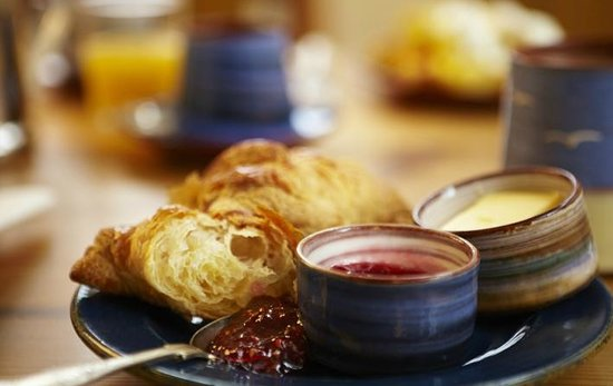 The Waves: Continental Breakfast