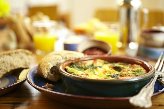 The Waves: Spinach and Red Pepper Frittata