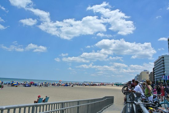 Virginia Beach Boardwalk: a busy day at the Boardwalk